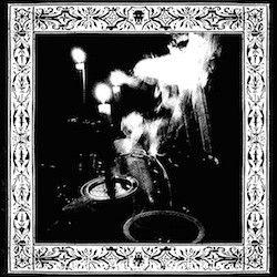 Reviews for Trono Além Morte - O Olhar Atento da Escuridão